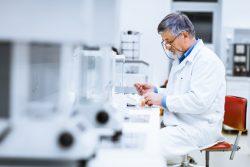 certification de la norme ISO 15189 (démarche qualité des laboratoires de biologie médicale)